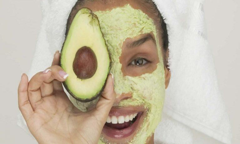ماسک آووکادو برای پوستهای حساس
